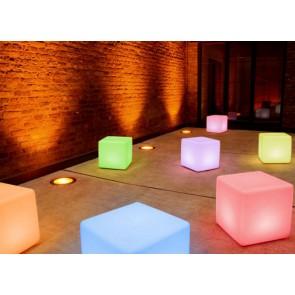 Cube LED Pro Accu, changement de couleur, hauteur 45 cm, télécommande